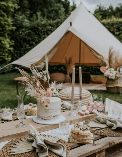 Micro party set up with clapping tent and pallet dinner table